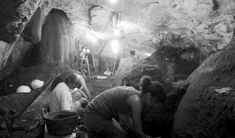 Hallan tumbas y restos humanos de casi 5.000 años de antigüedad en la Cova del Randero de Pedreguer