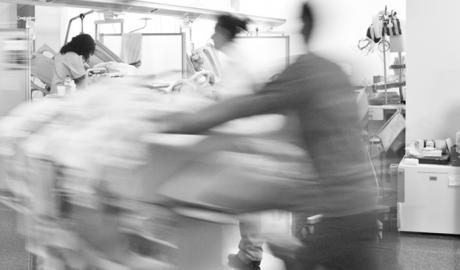 Denuncian que pacientes de Marina Salud esperan una cama hasta 28 horas