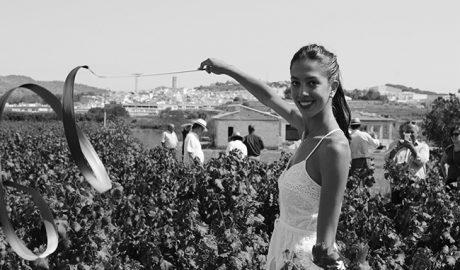 Teulada inaugura la vendimia de la uva moscatel con la medallista olímpica Alejandra Quereda como madrina