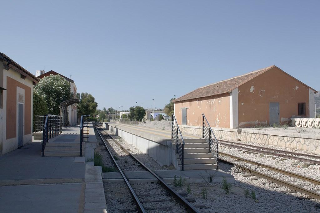 Por las vías de la Marina Alta ya no pasa ningún tren.