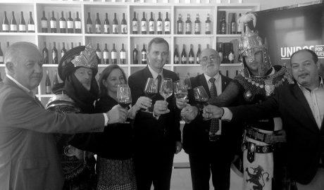 Los vinos de la DOP Alicante se dan la mano con los arroces y los Moros y Cristianos para proclamar el orgullo de la región vitivinícola