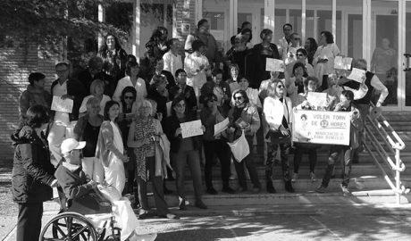 Trabajadores de La Pedrera rechazan los nuevos turnos de 7 horas y exigen a gritos la dimisión de la Dirección