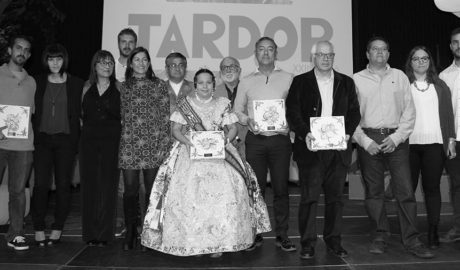 Emotivo reconocimiento de Compromís a Ricard Pérez i les Falles de Dénia