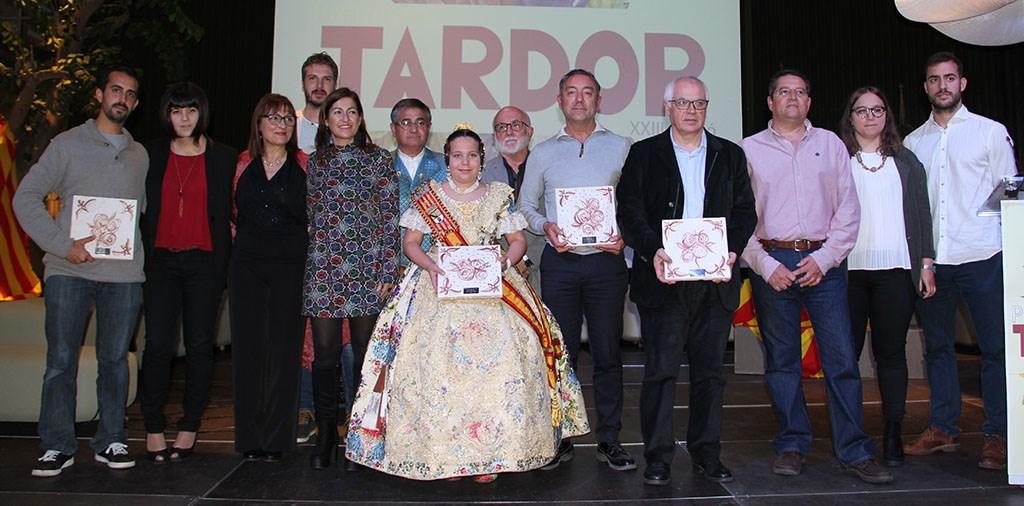 Foto de grup amb els premiats i participants en l'acte.