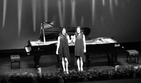 Teulada se rinde a la maestría de las hermanas Naughton en la clausura del Festival Internacional de Piano