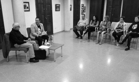 """Carles Mulet presenta en Ondara su premiado poemario """"Viatjar descansa"""""""