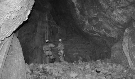 Ochenta años de la matanza en una sima del Montgó