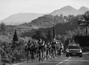 Los mejores equipos ciclistas del mundo se entrenan en la Marina Alta