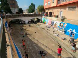 Grafittis al riu d'Ondara