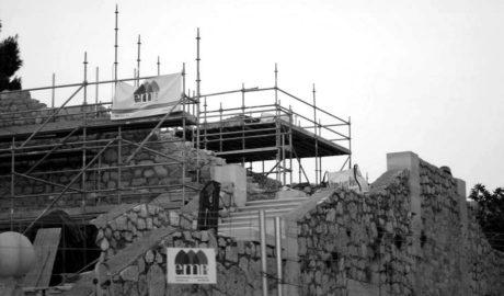 La escalera imperial del Palau Vell empieza a renacer en el castillo de Dénia