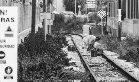 FGV retira las vías en Dénia como primer paso para crear la nueva plataforma del trenet