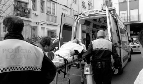 Una anciana trasladada al hospital tras incendiarse su cocina en una vivienda de Dénia