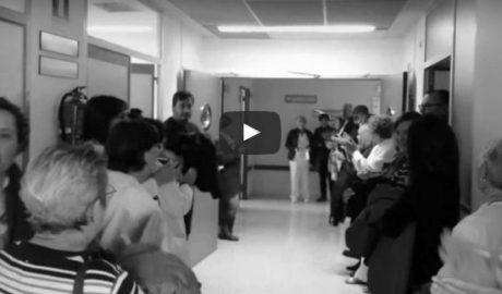 Los enfermeros se amotinan y se niegan a repartir la comida y afeitar a los pacientes en La Pedrera