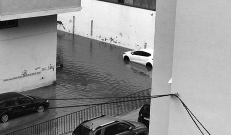 Espectacular granizada en Calp y calles y playas inundadas en Dénia y Xàbia