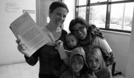 Maria José y Brenda ganan la batalla: su bebé será inscrito con dos madres legales