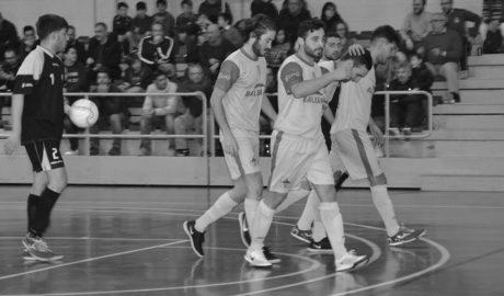Goleada del Dénia Futsal en su regreso al pabellón de Dénia