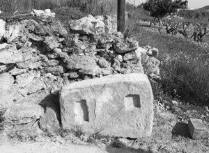 Identifican una prensa romana del siglo III en Benitatxell que estaba a la vista desde hace 100 años en un margen