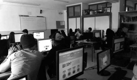 El taller de periodismo de La Marina Plaza regresa al IES Maria Ibars de Dénia