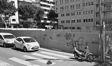 La Tesorería rechaza retirar el vallado del solar del viejo ambulatorio de la calle Campo en Dénia