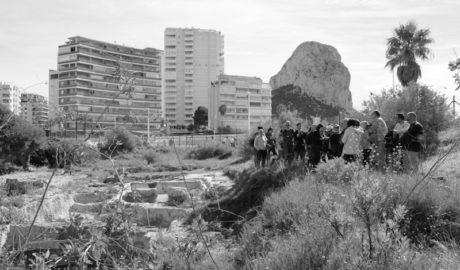 La «masificación turística» amenaza los yacimientos arqueológicos de la Marina Alta según los expertos