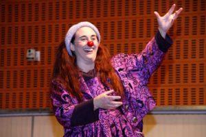 """Teatre: """"Model Clowntrapublicitaria"""" per la pallassa Virginia Imaz Quijera. Actes del Mes de la Dona -Benissa- @ Saló d'Actes Municipal"""