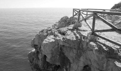 Un nuevo mirador mejora la seguridad sobre la Cova dels Arcs de Benitatxell