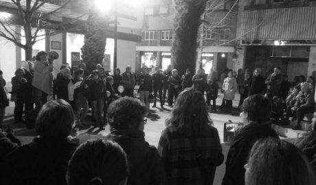 Unas 200 personas se manifiestan en Dénia para romper los muros del machismo