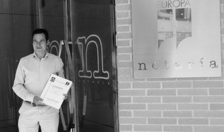 La foto electoral de Roselló (PP) que ha hipotecado en 870.000 euros los ingresos de Benissa