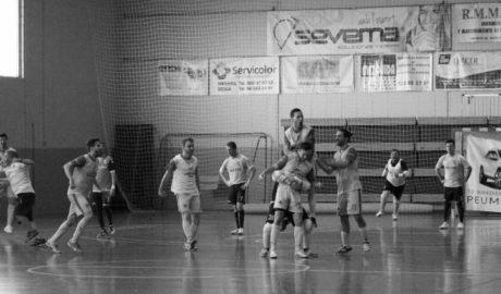 Victoria del Dénia Futsal sobre la bocina para alegría de su afición
