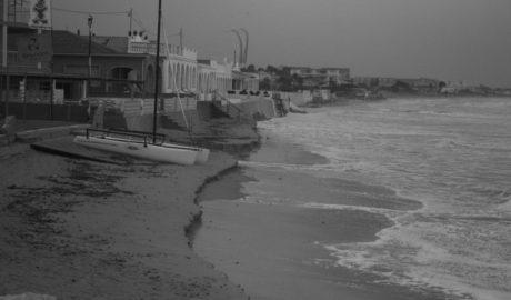 L'enèsim temporal destrossa platges a Dénia recentment regenerades i colpeja tot el litoral