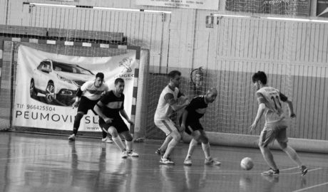 El Dénia Futsal tiene cinco jornadas para intentar la hazaña