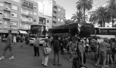 Federació de Veïns: «Dénia sufre los impuestos más altos mientras no hay tren ni estación de autobuses»