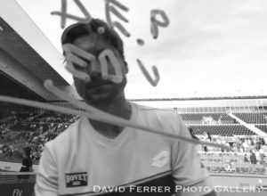 David Ferrer dedica a los ciclistas fallecidos de Xàbia su primera victoria en Madrid
