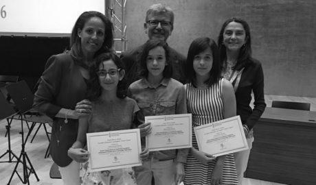Tres alumnes del Vicente Tena de Xàbia, premiades pel seu rendiment acadèmic