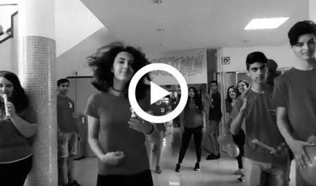 [VÍDEO] El instituto Maria Ibars de Dénia se implica con un 'lipdub' contra el acoso escolar