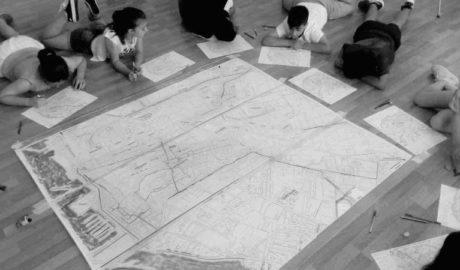 Los escolares imaginan una Dénia con transporte público y sin coches en el centro