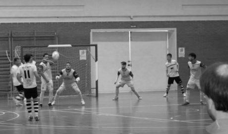 El Dénia Futsal remonta y gana en el último minuto ante el Talayuela