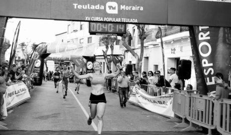 Félix Pont y Cristina Roselló ganan la Volta a Peu a Teulada