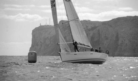 Los clubes náuticos de Dénia y Xàbia organizan el Trofeo Cap de Sant Antoni, de veleros de clase crucero