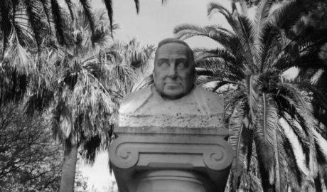 La memoria del gran historiador de Dénia, por los suelos en València