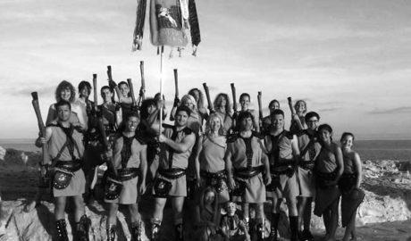 Los Moros y Cristianos llenan Moraira de gente y color para rememorar una guerra histórica