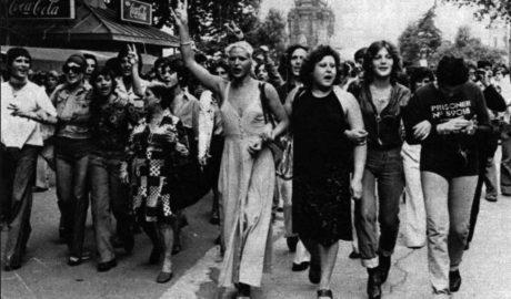 Una exposición muestra en Dénia más de 30 años de lucha por los derechos LGTB