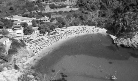 Investigan en Xàbia la contaminación provocada en el mar por la masificación turística