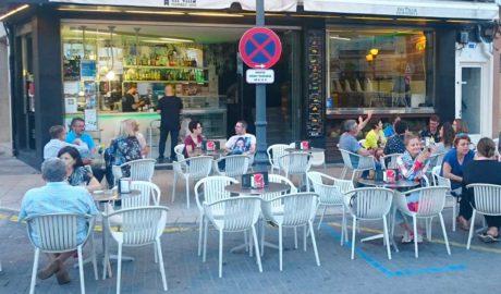 Mi Villa Nº 1: desdejunis, còctels, cafès... en el cor de Dénia