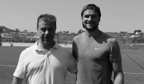 George Friend, futbolista de la primera división inglesa, elige El Poble Nou de Benitatxell para entrenar durante sus vacaciones