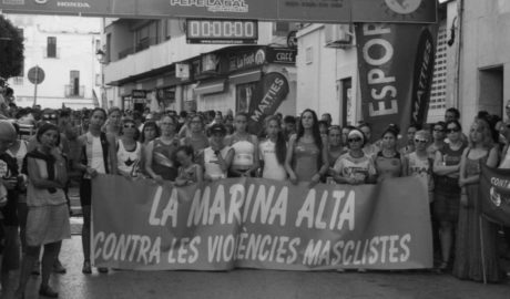 La Volta a Peu a Benissa da voz a la lucha comarcal contra la violencia de género