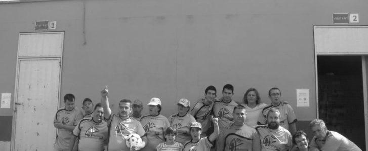 Personas con diversidad funcional de la comarca demuestran que pueden con todo en un bonito partido de fútbol adaptado