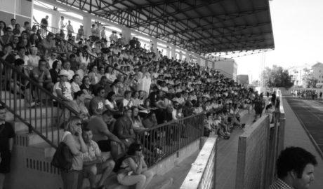 [FOTOS] Les Escoles Esportives de Dénia s'acomiaden en un multitudinari acte al poliesportiu
