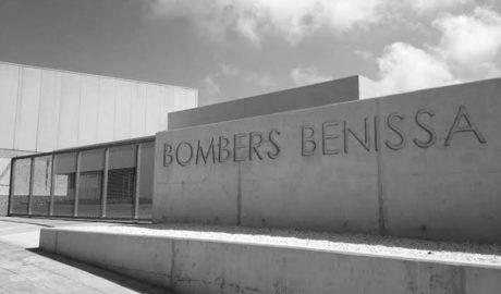 El parque de Bomberos de Benissa sigue cerrado dos años después de inaugurarse y a las puertas del verano