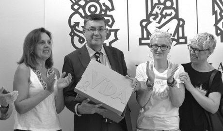 La lucha contra el cáncer de mama de María Ferrer llega a Les Corts con 200.000 firmas